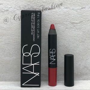 🎉 $5 NARS Velvet Matte Lip Pencil in Cruella